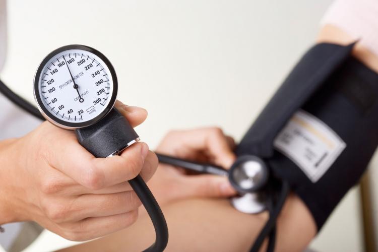 La infección puede causar presión arterial alta repentina